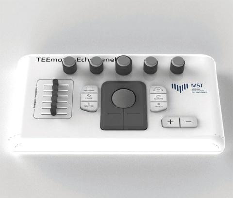 USBエコーパネルにより実際のエコー機器と同じ用にシミュレーターのコントロールが可能
