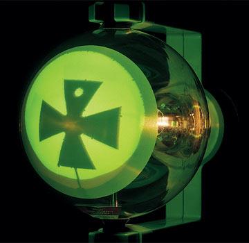 十字入りクルックス管,電子の直進性の観察