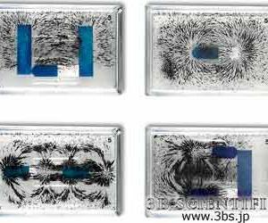 鉄粉入りアクリルボックスで磁界を観察