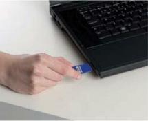 カードをパソコンへ挿入