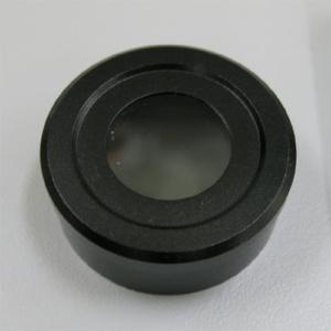 この偏光板は規格に挙げられている顕微鏡の光源に載せて使用します。