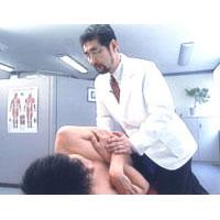 中川貴雄D.C.による側臥位腰椎テクニック