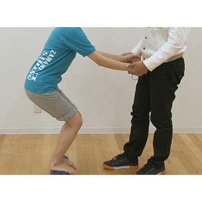 起立動作 ・ 着座動作のバイオメカニクスと動作分析